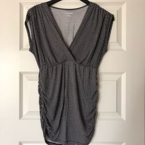Black and white cap sleeve top